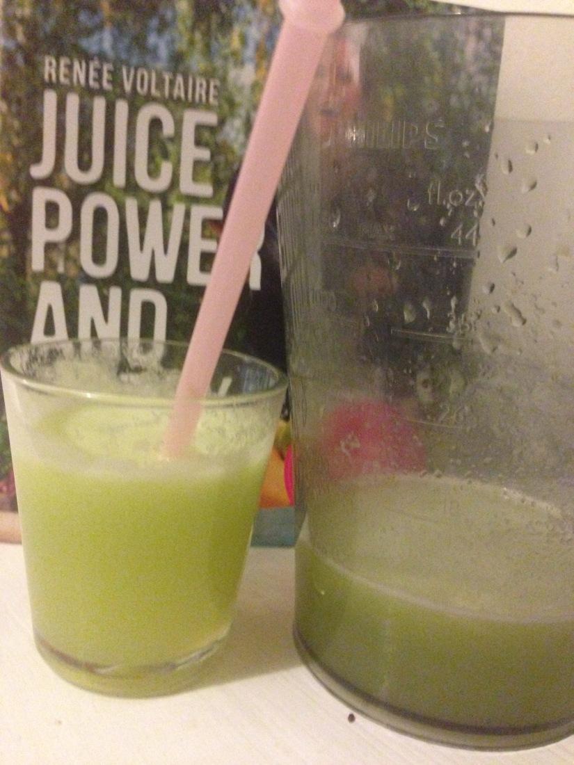 Pressa en alkaliserande juice som smakargodis