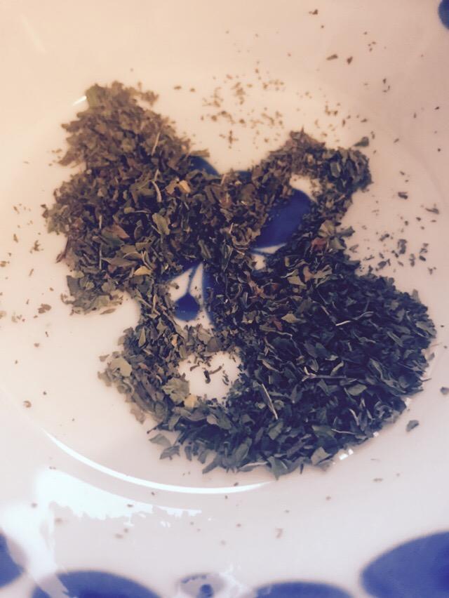 Drick grönmynta te för mage, andedräkt ochkvinnobalansen!